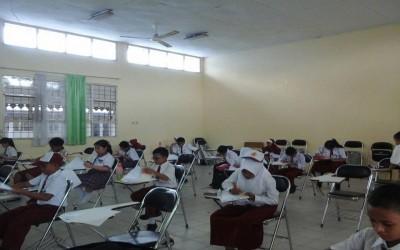 Siswa/i SD IT Al Hidayah mengikuti Olimpiade Matematika pada tanggal 24-28 Januari 2017