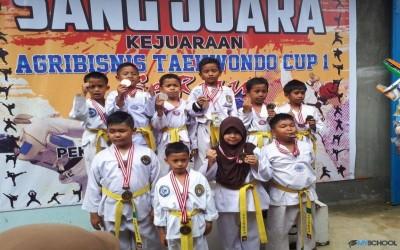 SD IT AL Hidayah meraih 12 Medali (1 Emas, 3 Perak, 8 Perunggu)